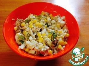 Рецепт Простенький салат со шпротами