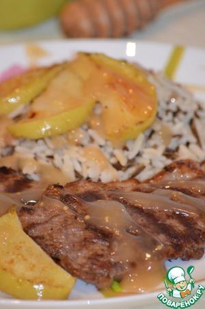 Рецепт Свинина в яблочным соусе с рисом