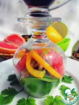 Рецепт Грейпфрутовый салат с курицей и мангольдом