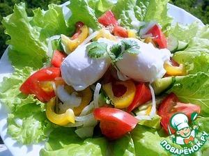Рецепт Салат с тунцом и яйцом пашот