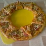 """Пицца """"Корона"""" с кабачками и луковые кольца в кляре"""
