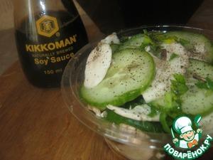 Салат из свежих шампиньонов и огурцов