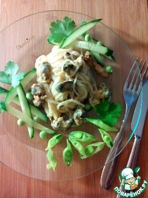 Рецепт Салат с мидиями и рисовой лапшой
