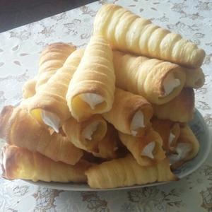 Рецепт Слоеные трубочки из белкового крема