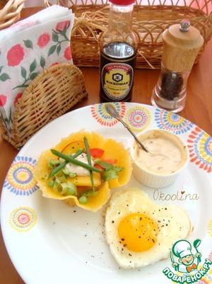 Рецепт Салат с персиком в сырной тарталетке