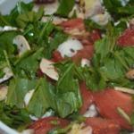 Летний салат с рукколой