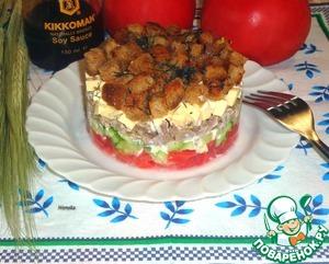 Рецепт Слоеный салат с чесночными сухариками