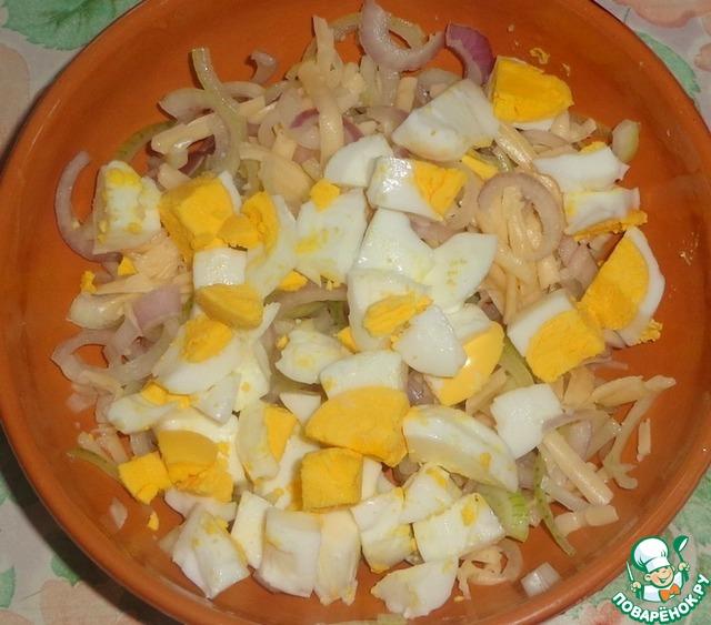 Салат из папоротника с кальмарами рецепт с фото