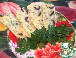 Рецепт Домашний сыр с зеленью и маслинами