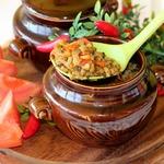 Овощное рагу с машем, запеченное в горшочках