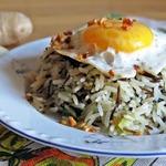 Имбирный жареный рис с яйцом