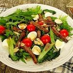 Салат с капустой пак-чой и мраморной говядиной