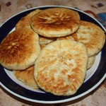 Пирожки с кунжутом