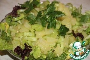 Салат «Полезный сельдерей» домашний рецепт с фото