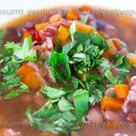 Густой острый фасолевый суп с беконом