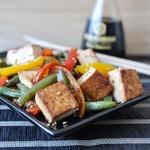 Тофу жареный с овощами