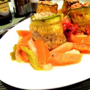 Рецепт Рулетики из кабачков с лососем