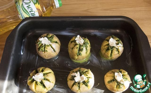 """Как готовить Картофельная """"лилия"""", запеченная с зеленым соусом простой рецепт с фото #6"""