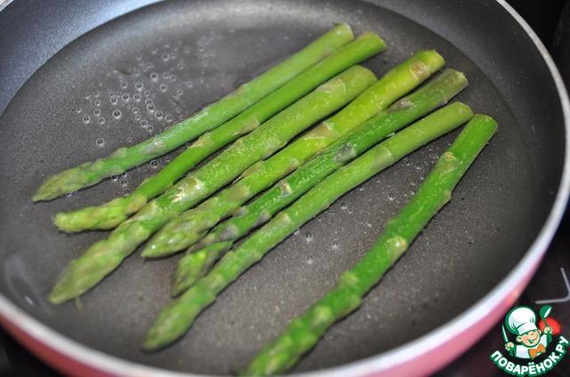 Готовим Закуска из спаржи и карамелизированного лука простой рецепт приготовления с фото #1