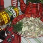 Салат со свиными ушками и горчичной заправкой