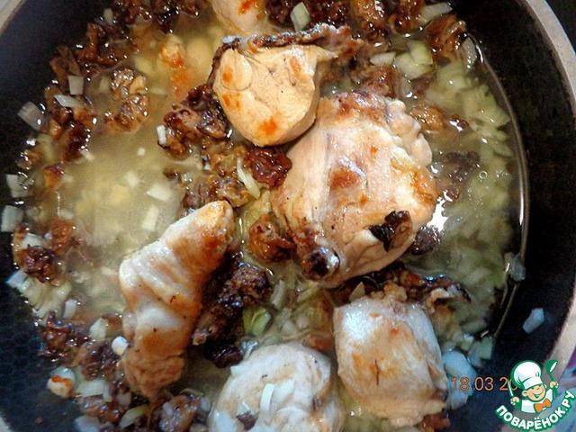 Как готовить Курица, тушенная в яблочном соусе с грибами домашний пошаговый рецепт приготовления с фото #4