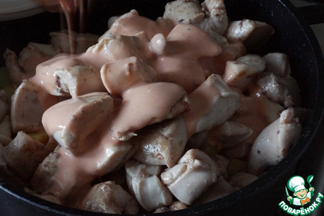 Приготовить карпа в духовке в фольге со сметаной