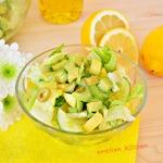 Зелёный салат с лимонной заправкой