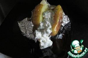 Рецепт Запеченный картофель с селедочно-огуречным соусом