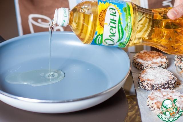 Как приготовить Рубленые рыбные котлеты в кунжутной панировке рецепт приготовления с фото пошагово #6