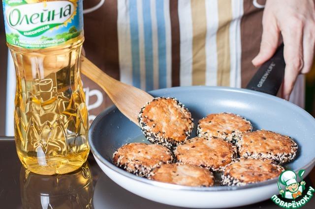 Как приготовить Рубленые рыбные котлеты в кунжутной панировке рецепт приготовления с фото пошагово #7