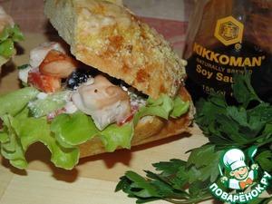 Рецепт Куриный шашлык с салатом в сэндвиче