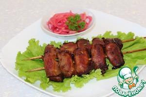 Рецепт Шашлычки из куриной печени с маринованным луком по-японски