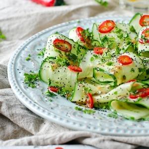 салат из свежих огурцов рецепт