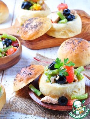 Рецепт Маленькие закусочные булочки фаршированные салатом Нисуаз