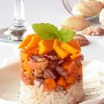 Тартар из лосося и манго