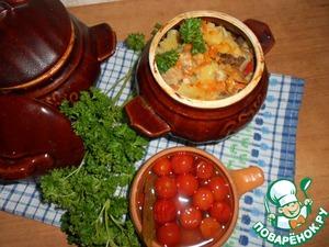 Рецепт Горшочки с картофелем, мясным ассорти и грибами