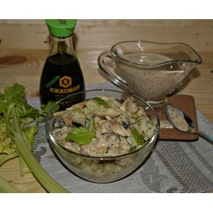 Салат из скумбрии, картофеля и сельдерея