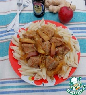 Рецепт Имбирная свинина с яблоками и луком