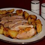 Свинина, запечённая с курагой и картофелем