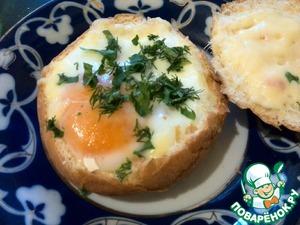 """Рецепт Горячие булочки с яйцом на завтрак """"Секрет"""""""