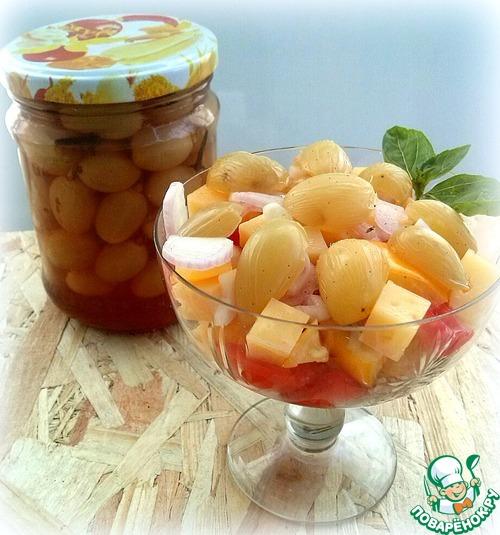 Салаты с маринованным виноградом фото