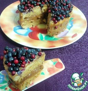 Рецепт Медовый бисквитный торт с вареной сгущенкой в СВЧ