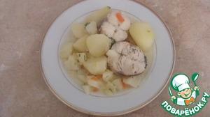 Рецепт Тушеный картофель в сметане с рыбой