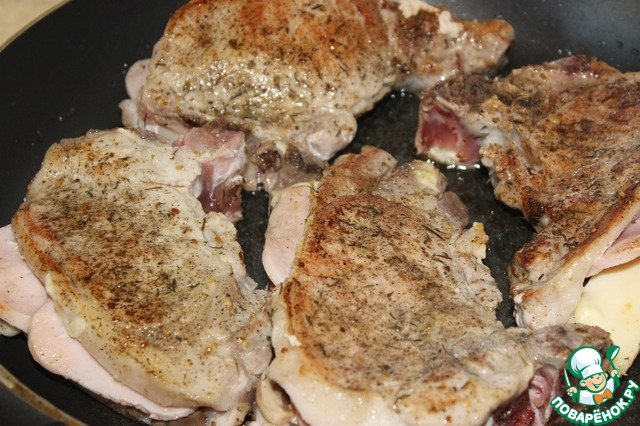 Мясо с ветчиной в духовке рецепт