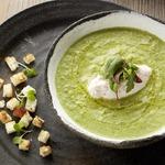 Крем-суп из брокколи и кнелями из сливочно-крабового мусса