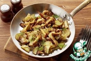 Рецепт Жареный молодой картофель с лисичками, лучком и зеленью
