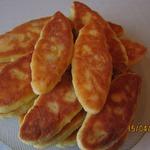 Пирожки из творожного теста с курицей