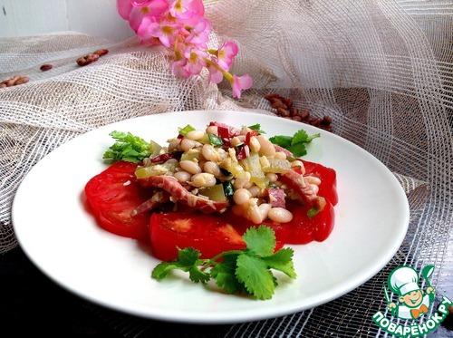 Салат с фасолью колбасой и соленым огурцом рецепт с