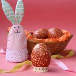 Пасхальные яйца с рисовым рисунком