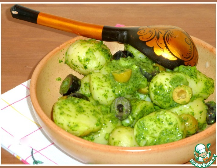 Рецепт: Теплый картофельный салат Изумрудный